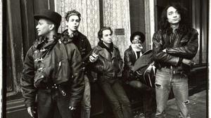 Undercoversessie: Urban Dance Squad • Roepaen Podium