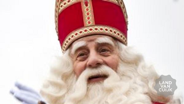 Sint komt aan in Cuijk