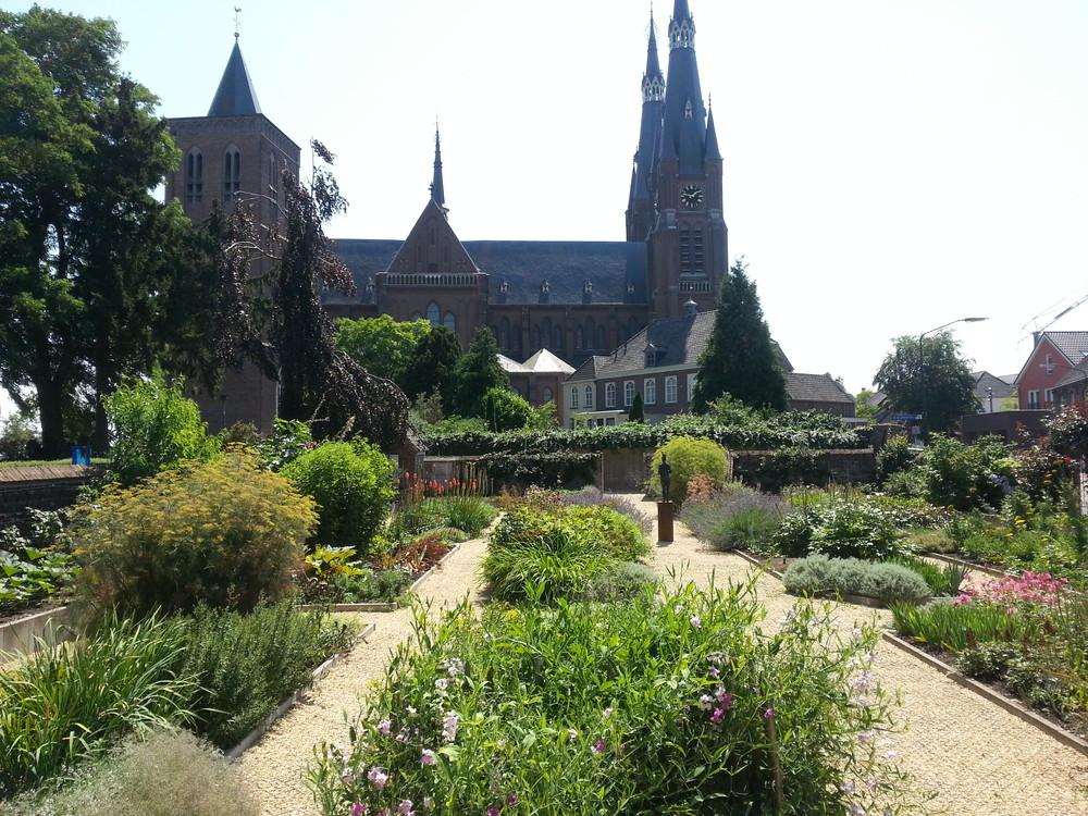 Afbeeldingsresultaat voor cuijk nederland beeldentuin